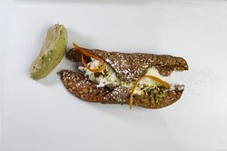 Tipico cannolo scomposto siciliano