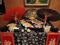 """Dragão Sushi Bar Qualidade e excelência para o seu evento com o melhor da Culinária Japonesa . """"Já organizou sua festa e quer colocar uma mesa de Japonês para complementar seu evento? Somos a equipe certa! Escolha seu pacote e faça do seu evento um Grande sucesso!!!  ( CASAMENTO - ANIVERSÁRIO - 15 ANOS - CORPORATIVO - SOCIAL - FORMATURA - OUTROS Decoração com mesa temática sushiman e ajudante no local . Acompanhamento já inclusos."""