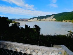 RAKAIA quickly spreads out after the gorge & the two bridges.