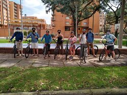 A group from US ready to enjoy a day ciclying around