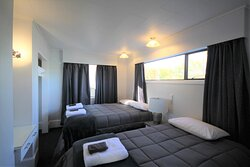 Three bedroom unit caters for up to 10 people. One bathroom, three bedrooms and full galley kitchen
