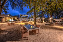 Pines Beach Club Seafood Grill and Bar 10