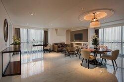 Execuitve Suite Living Room