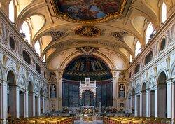 L'interno della Basilica di Santa Cecilia in Trastevere