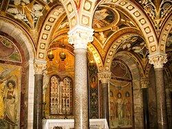 Nei sotterranei della Basilica...