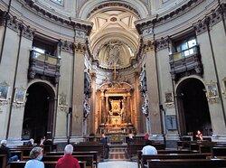 Interno (parziale) della chiesa