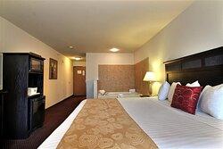 Whirlpool Suite Guest Room