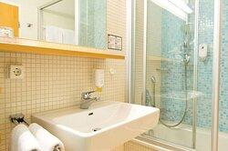 Guest Room   Hotel Neotel Stuttgart