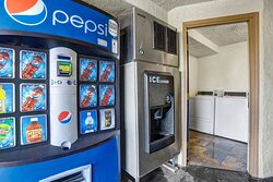 Motel Anderson CA Redding Airport vending