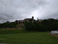 Du parc à voiture en bas de la colline.