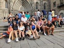 מסיימים סיור בקתדרלה | דויד קובוס סיורים בברצלונה