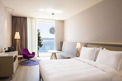 Premium Junior Suite - Bedroom Front Sea View