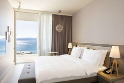 Premium Suite - Bedroom and Front Sea View