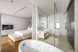Penthouse Suite - Master Bedroom
