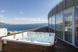 Penthouse Suite with Terrace and Hot Tub Bath