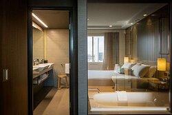 Pacific Club Suite Bathroom