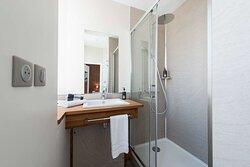 Bathroom - Classic Sea View Room