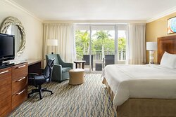 King Guest Room Captiva Tower - Resort View