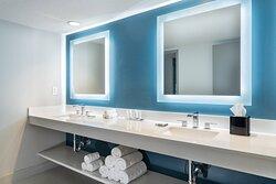 Captiva Tower Guest Bathroom