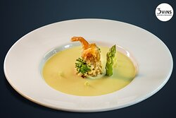 Asparagus soup with seafood ravioli: 125.000vnd