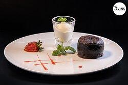 Chocolate Fondant served with ice cream 85.000vnd