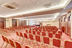 Our Event Rooms have flexible walls and can be tailored to the size most convenient for you