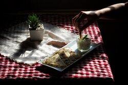 Garlic Tzatziki with naan bread