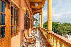 Balcón - Apartamento Múltiple Vista a la Bahía