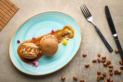 Alfajor helado relleno de crema de avellanas y cacao
