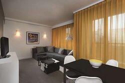 adina apartment hotel hackescher markt two bedroom apartment lounge room