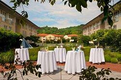 Hotel Garden Banquet