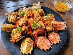 Seafood Special: Fried Mantis Shrimp in Garlic & Black Pepper - กั้งทอดกระเทียมพริกไทย🧄🦞🧂