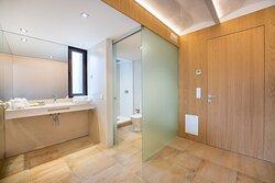 Baño habitación Doble Frutales