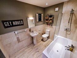 Standard Double/Twin Room - Bathroom