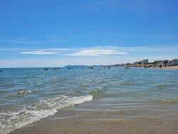 La riva davanti ad Alba D'oro
