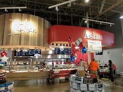 Hy-Vee: Asian & Italian Food Stands (order at the counter). July 2021
