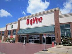 Hy-Vee: 7610 N Orange Prairie Rd, Peoria IL, July 2021