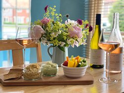 Dips Sharing Board & Norfolk Wine