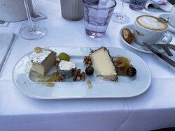 3 Sorten Käse mit Feigensenf, Walnüssen und Trauben: Cabra al Romero, St. Maure, Coulommiers