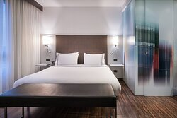 Suite - Slepping Area King Bed