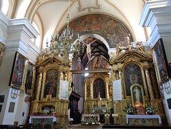 Widok na manierystyczny ołtarz główny z lat 30-tych 17 wieku .