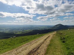 a good path from High Nick Cup to Dufton