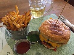 burger, fries & beer!