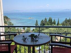 Aussicht über das Ionische-Meer bis zur Küste von Albanien