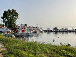 Über den Küstenpfad zum Fischerhafen Petriti