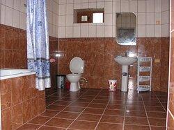 Ванная комната (12 кв.метров) в номере Люкс (100 кв.метров).