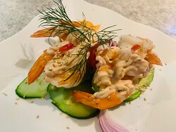 AGUACATE CON GAMBAS