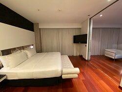 Suite 611