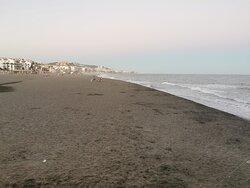Después de una jornada de domingo, la playa.