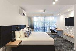 adina apartment hotel northbank studio bedroom